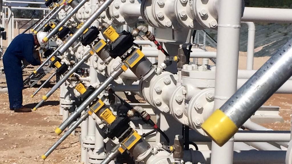 Valve interlocks for lever operated valves