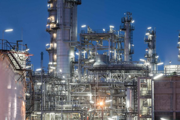 Oil and gas process facility