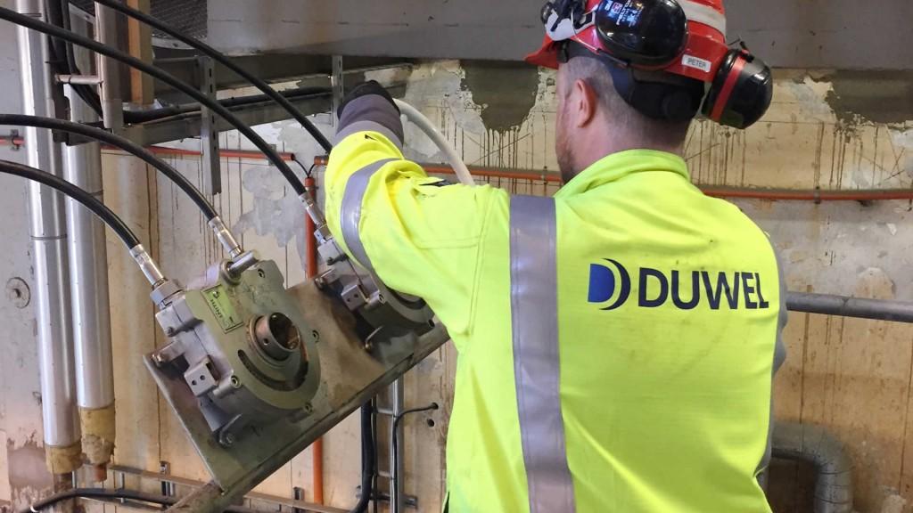 Remote valve operator
