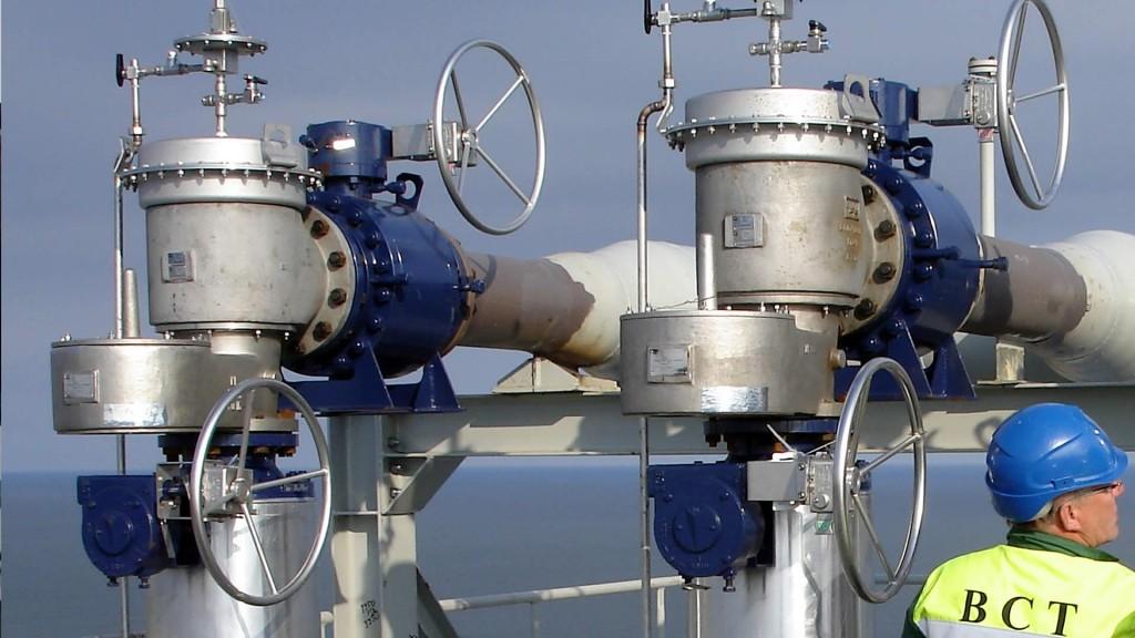 valve interlocks securing pressure relief valves