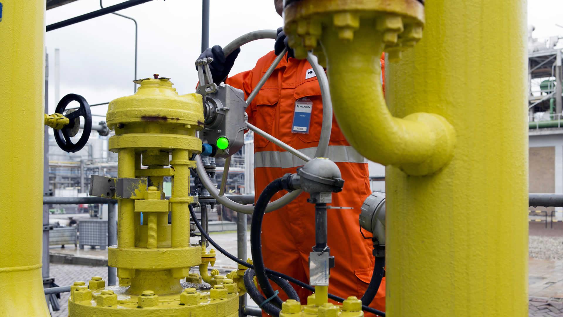 Valve position indicator for linear valves