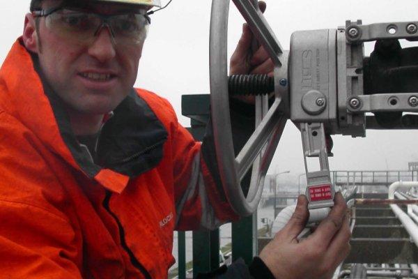 How to open a Netherlocks interlock locked open valve