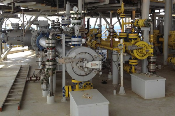 Valve interlocks guarantee safe pigging operation