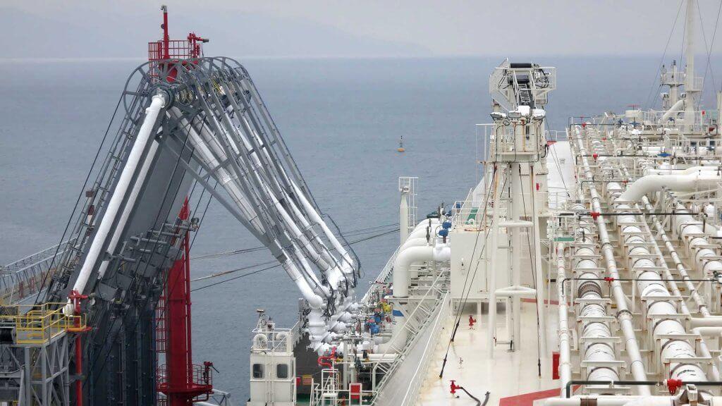 Valve line-up during tanker loading