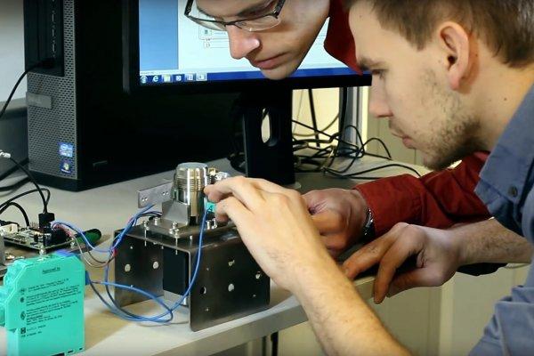 Sofis interns working on new customer applications
